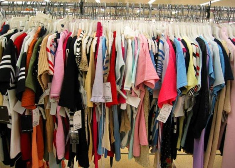 Surplus_Stock_Well_Knowned_Brands_Fashion_Garments